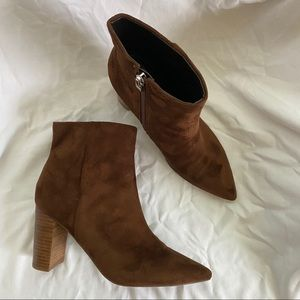 nine west walnut faniya pointed toe ankle boots